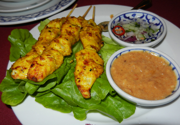 """Chicken satay"" ""cucumber relish"" ""Perth Restaurant Reviews"" ""Perth food blog"" ""food blog"" Chompchomp ""Gluten free"" ""Fructose malabsorption"" ""Dusit Thai"" Northbridge Thai ""satay chicken"""