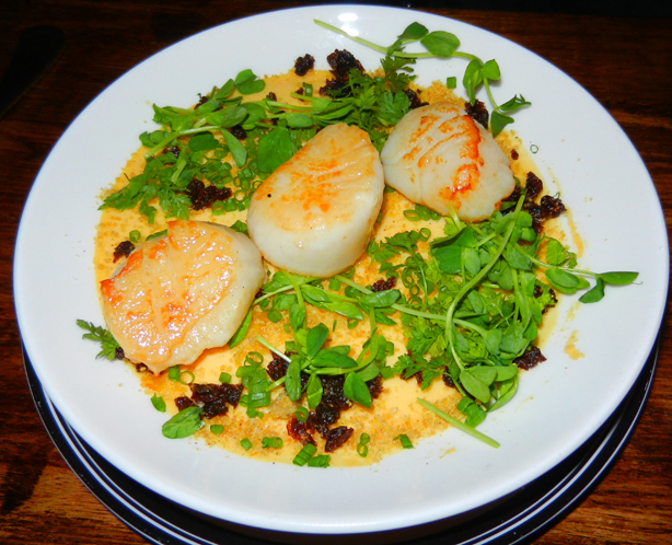 """Clarence's Bar"" Highgate ""wine bar"" scallops ""Perth Restaurant Reviews"" ""Perth food blog"" ""food blog"" ""Chompchomp"" ""Gluten free"" ""Fructose malabsorption"""