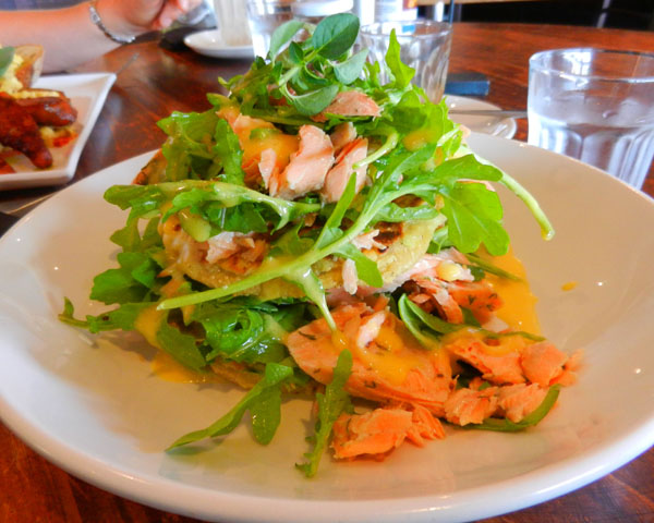 """Perth Restaurant Reviews"" ""Perth food blog"" ""food blog"" Chompchomp ""Gluten free"" ""Fructose malabsorption"" ""Piccos Kitchen"" ""Zucchini fritters"" haloumi breakfast brunch ""smoked salmon"" fish"