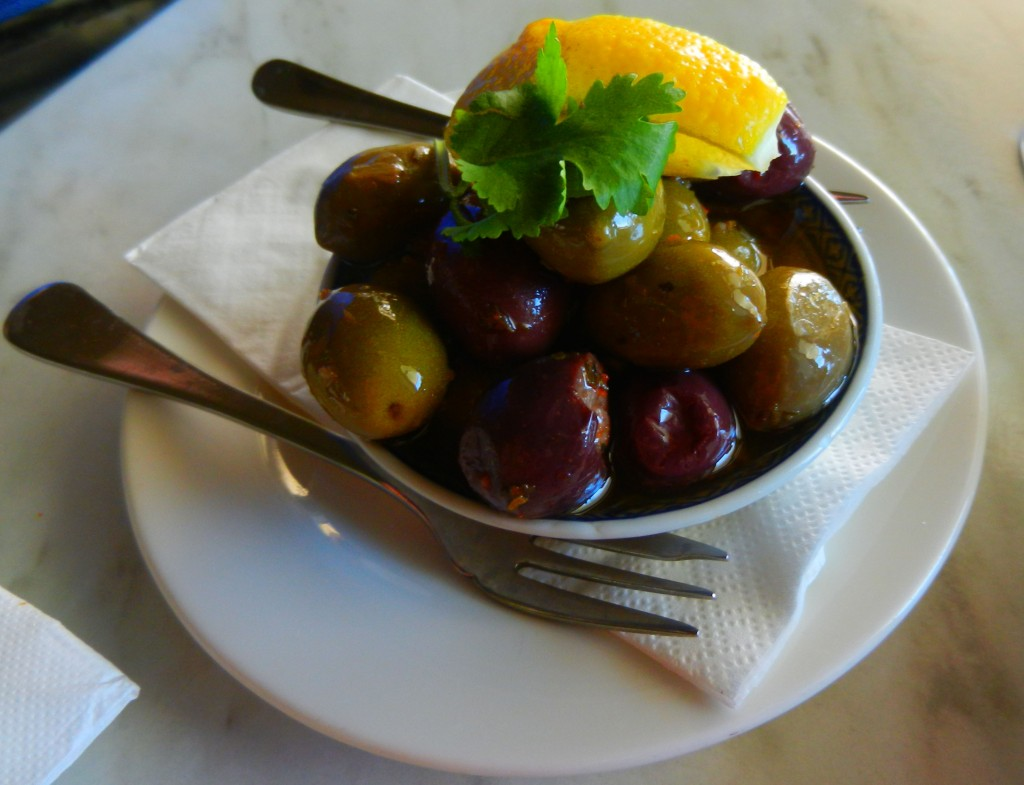 """Mixed marinated olives"" ""perth Restaurant review"" ""Perth food blog"" ""gluten free"" ""fructose malabsorption"" ""food blog"" Chompchomp ""Blue Duck Cafe"" ""Cotteloe beach"" Cottesloe ""Perth beaches"" ""Breakfast"" Brunch"" ""Lunch restaurants"""
