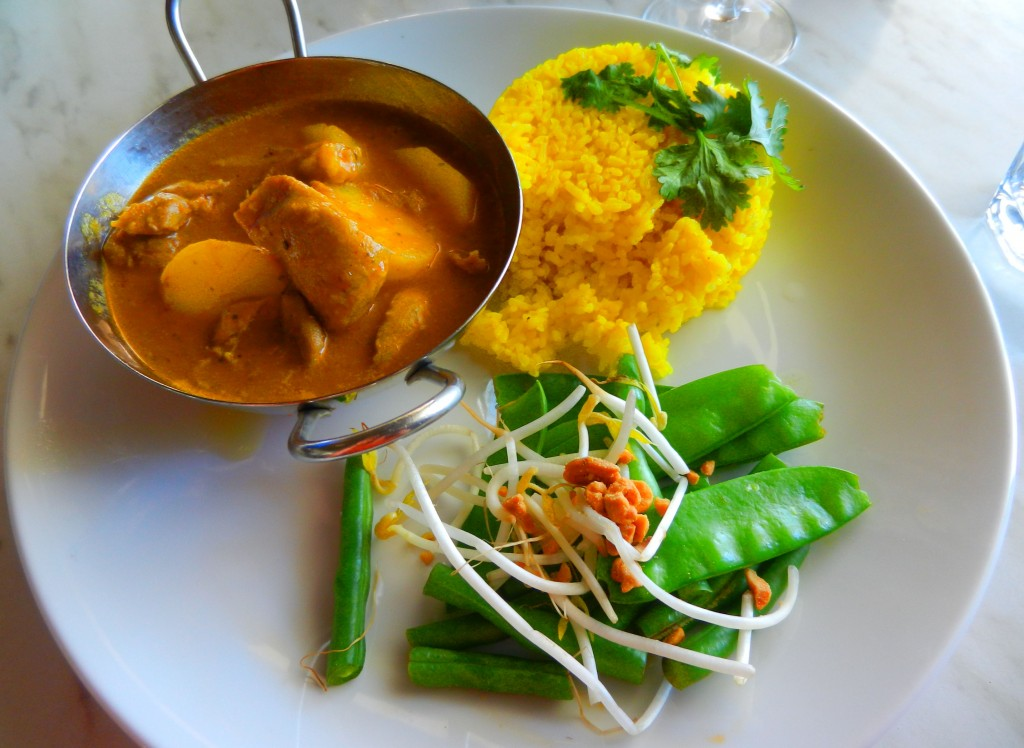 """""""Slow cooked duck"""" """"duck curry"""" """"Massaman curry"""" """"Thai curry"""" """"roasted peanuts"""" """"kaffir lime scented rice"""" """"perth Restaurant review"""" """"Perth food blog"""" """"gluten free"""" """"fructose malabsorption"""" """"food blog"""" Chompchomp """"Blue Duck Cafe"""" """"Cottesloe beach"""" Cottesloe """"Perth beaches"""" """"Breakfast"""" Brunch"""" """"Lunch restaurants"""""""