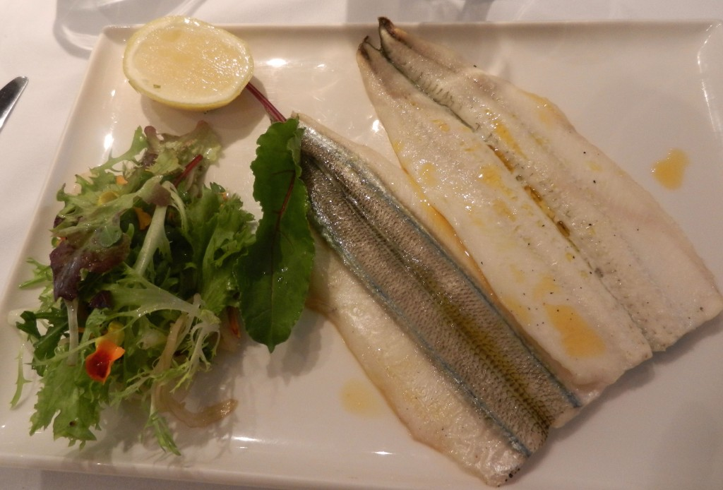 """Pan roasted Garfish"" ""mixed leaves salad"" ""seafood"" ""fish"" ""perth Restaurant review"" ""Perth food blog"" ""gluten free"" ""fructose malabsorption"" ""food blog"" Chompchomp ""Bistro Felix"" Subiaco French bistro lunch ""wedding dress"""