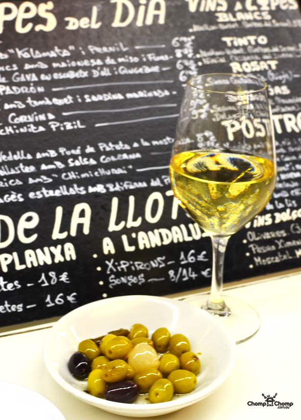 """marinated olives"" ""Perth Restaurant Reviews"" ""food photos"" ""Perth food blog"" ""food blog"" ""Chompchomp"" ""Gluten free"" ""Fructose malabsorption"" ""Spain Food blog"" ""Spain restaurant reviews"" ""Spain travel blog"" ""Barcelona Food blog"" ""Barcelona restaurant reviews"" ""Barcelona travel blog""""Spain"" ""Barcelona"" ""Barcelona restaurants"" ""gluten free Barcelona"" ""gluten free Spain"" ""barcelona fine dining"" ""barcelona degustation"" ""barcelona tapas"" ""tapas 24"" ""gluten free tapas"" ""Carles Abellan"""