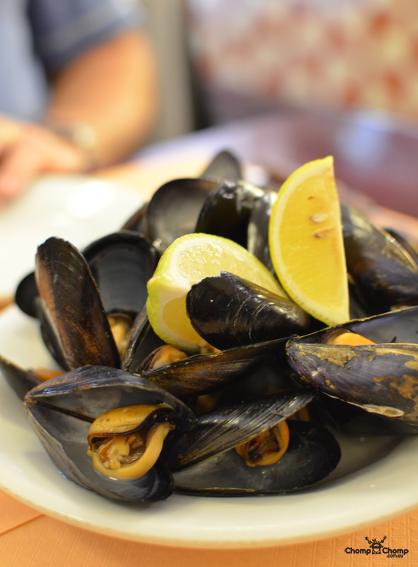 """mussels"" ""steamed mussels"" ""Perth Restaurant Reviews"" ""food photos"" ""Perth food blog"" ""food blog"" ""Chompchomp"" ""Gluten free"" ""Fructose malabsorption"" ""Spain Food blog"" ""Spain restaurant reviews"" ""Spain travel blog"" ""Barcelona Food blog"" ""Barcelona restaurant reviews"" ""Barcelona travel blog""""Spain"" ""Barcelona"" ""Barcelona restaurants"" ""gluten free Barcelona"" ""gluten free Spain"" ""barcelona fine dining"" ""barcelona degustation"" ""barcelona tapas"" ""gluten free tapas"" ""Bilbao Berria"" ""tapas tours barcelona"" ""tapas tours"" ""Bombas"" ""La bombeta"" ""Sweet Dreams Barcelona"" ""Placa Nova"" ""Conessa"" ""sangria"" ""tapas"" ""tomato bread"""