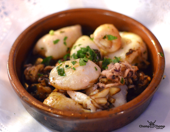 """Squid"" ""calamari"" ""Perth Restaurant Reviews"" ""food photos"" ""Perth food blog"" ""food blog"" ""Chompchomp"" ""Gluten free"" ""Fructose malabsorption"" ""Spain Food blog"" ""Spain restaurant reviews"" ""Spain travel blog"" ""Barcelona Food blog"" ""Barcelona restaurant reviews"" ""Barcelona travel blog""""Spain"" ""Barcelona"" ""Barcelona restaurants"" ""gluten free Barcelona"" ""gluten free Spain"" ""barcelona fine dining"" ""barcelona degustation"" ""barcelona tapas"" ""gluten free tapas"" ""sangria"" ""tapas"" ""tomato bread"" ""gluten free Catalan"" ""catalan review"" ""catalan food"" ""L'Amfora"" ""Restaurant ""L'Amfora"" ""Lamfora"" ""Amfora"" ""Parallel Avenue"""